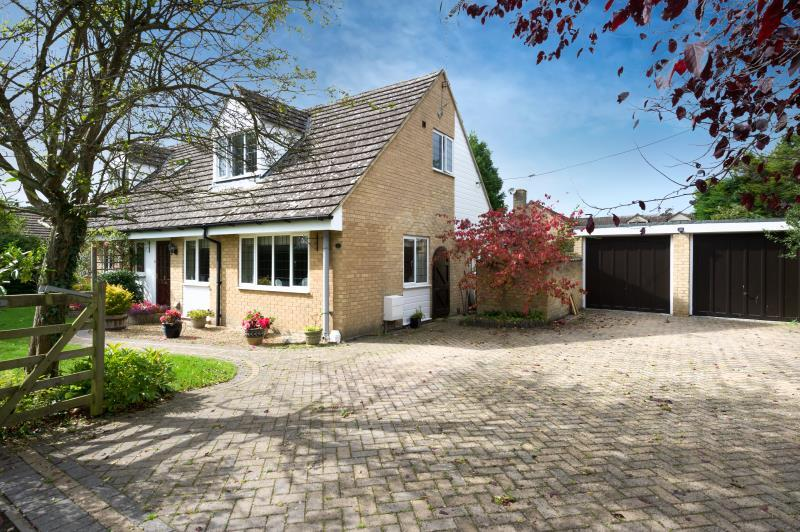 4 Bedrooms Detached House for sale in Nash Lane, Freeland, Witney, Oxfordshire