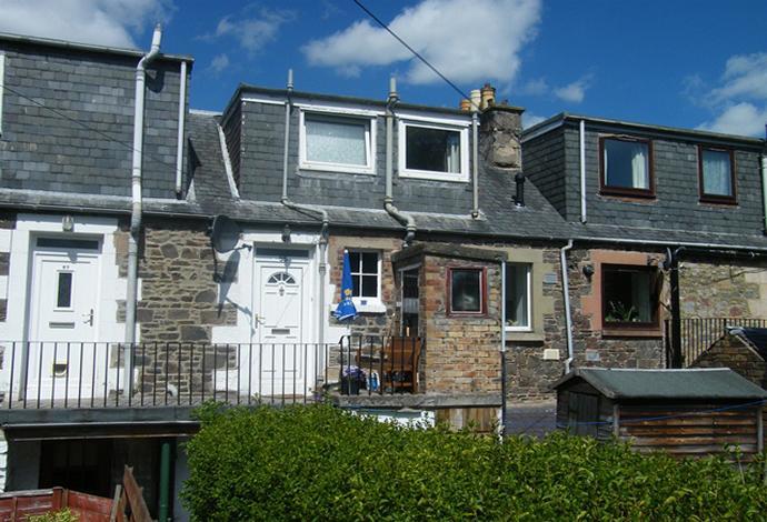 2 Bedrooms Flat for sale in 55 Wood Street, Galashiels, TD1 1QX