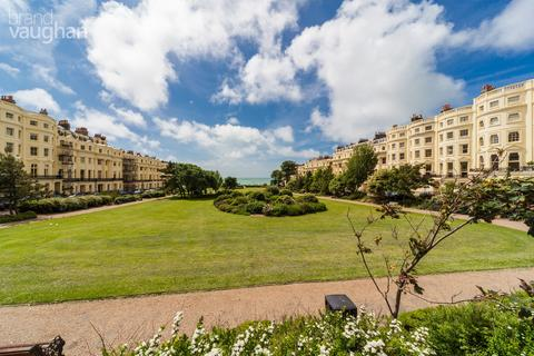 2 bedroom apartment to rent - Brunswick Square, Hove, BN3