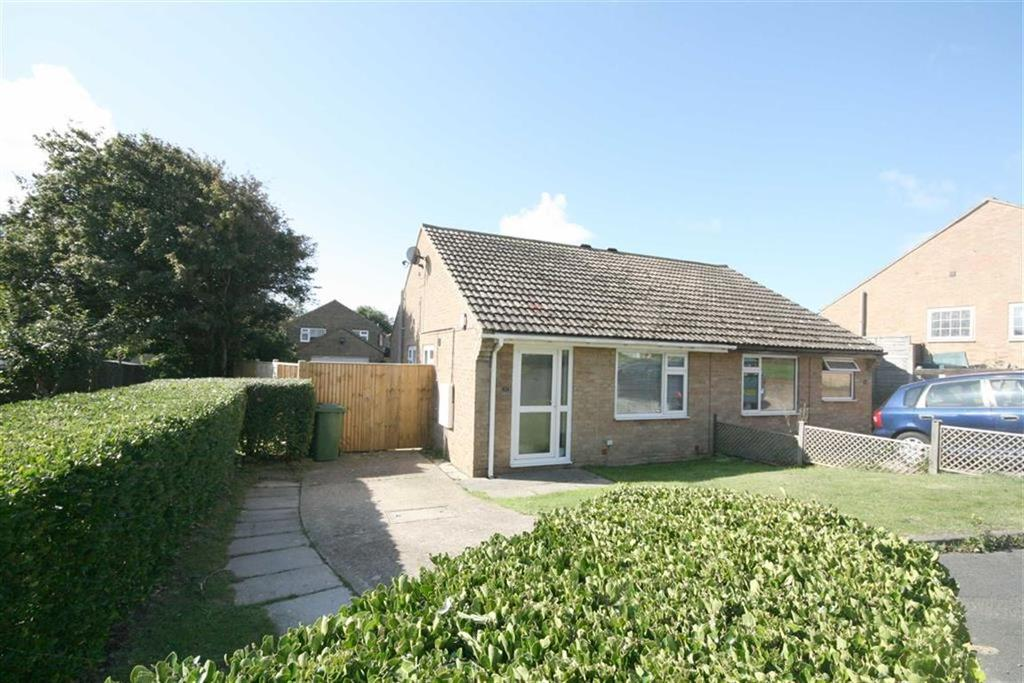 2 Bedrooms Semi Detached Bungalow for sale in The Dewpond, Peacehaven