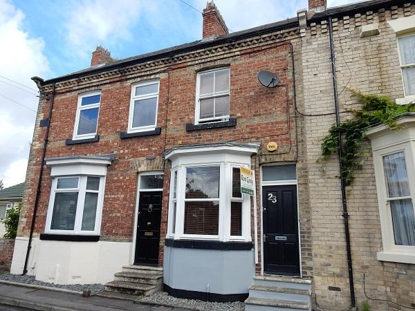 2 Bedrooms Terraced House for sale in Bridge Street, Yarm TS15