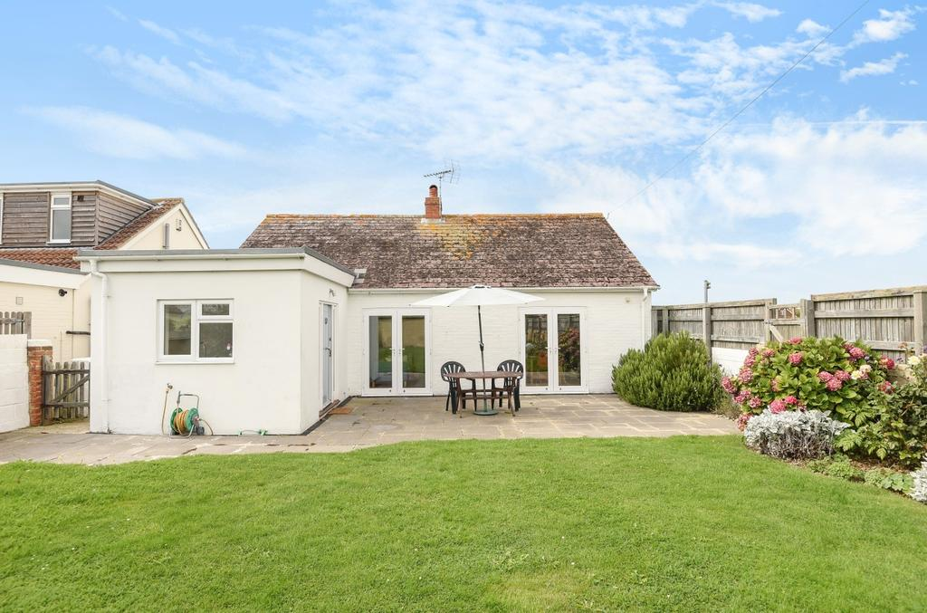 3 Bedrooms Detached Bungalow for sale in 5, West Wittering, Marine Drive, PO20