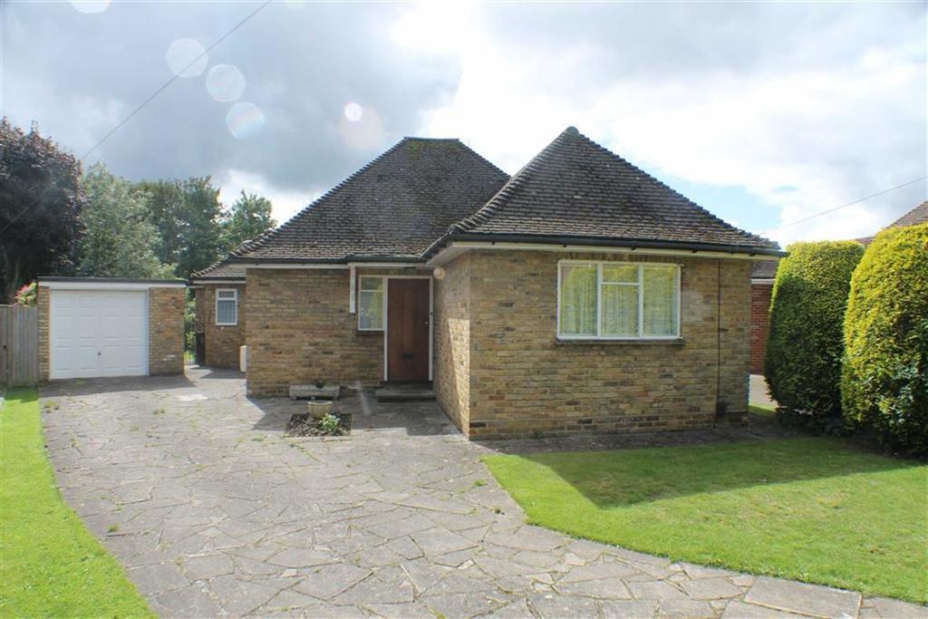 3 Bedrooms Detached Bungalow for sale in Leycroft Way, Harpenden, Herts, AL5