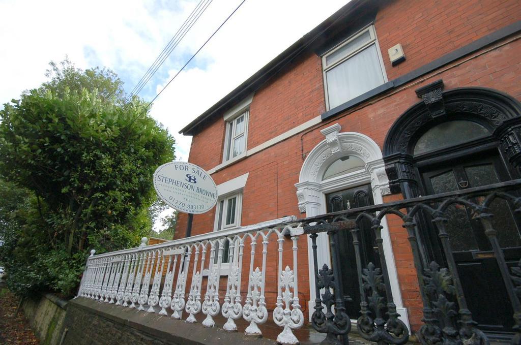 3 Bedrooms Semi Detached House for sale in Newcastle Road, Talke