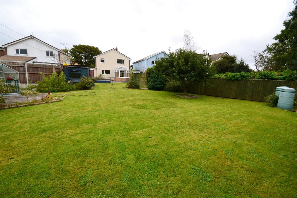 3 Bedrooms Link Detached House for sale in Knighton Lane, New Hedges, Tenby