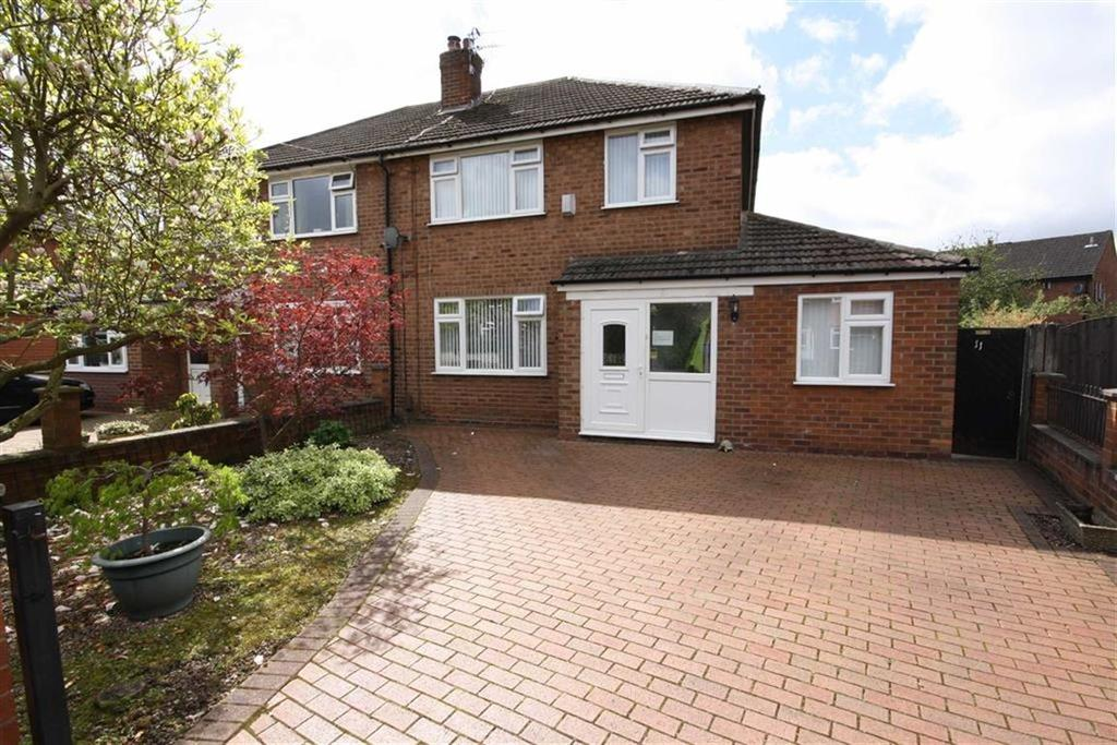 3 Bedrooms Semi Detached House for sale in Redcroft Road, SALE