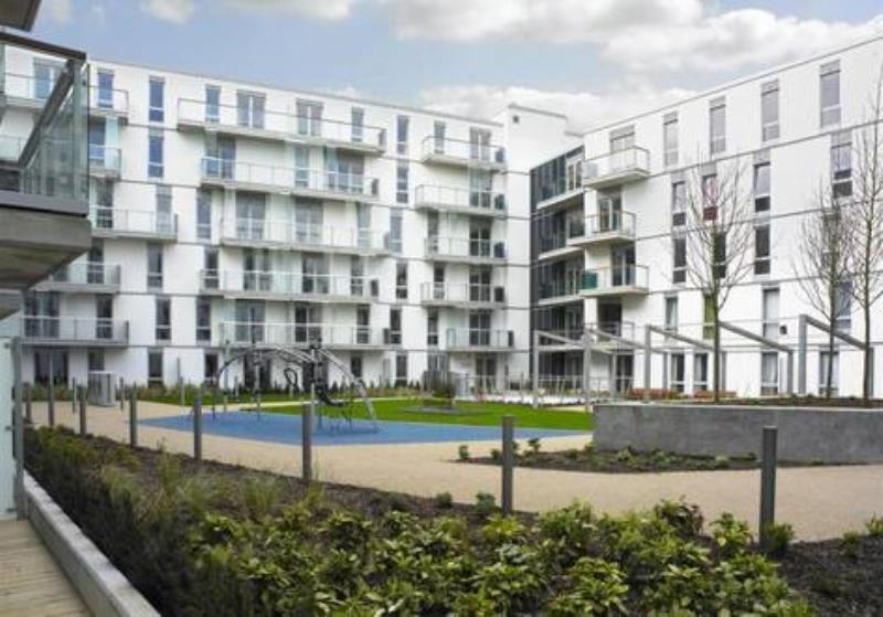 2 Bedrooms Flat for sale in Quadrant Court, Empire Way, HA9