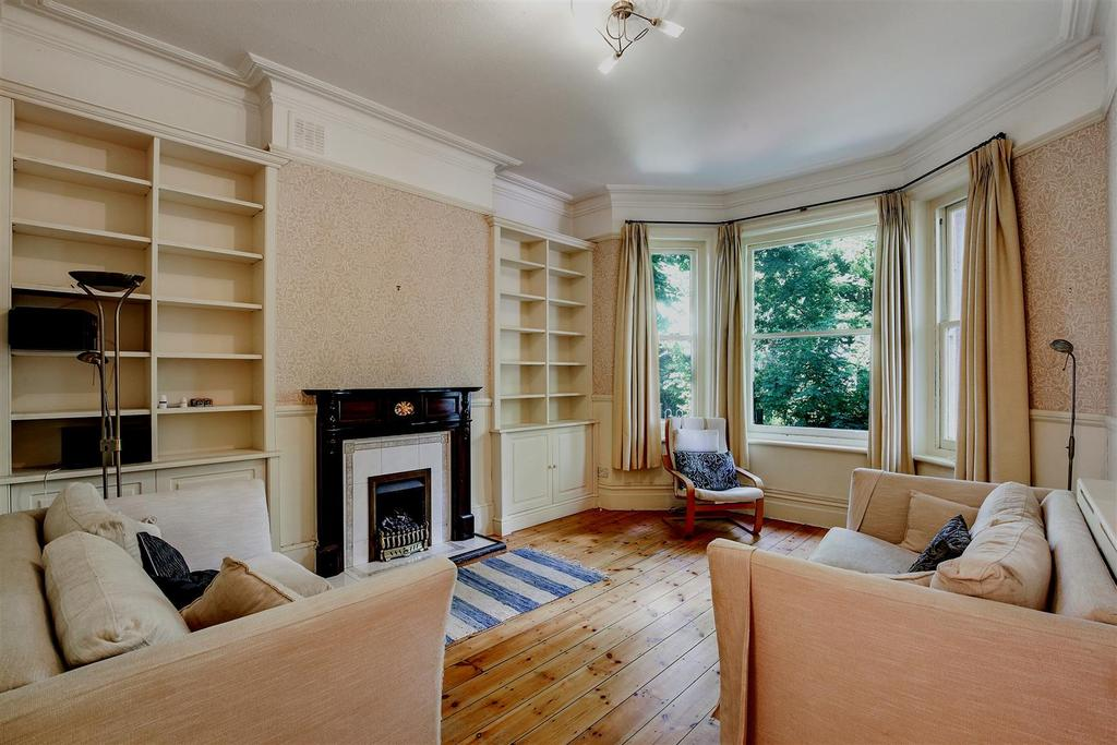 3 Bedrooms Flat for sale in Lissenden Gardens Dartmouth Park Fringes