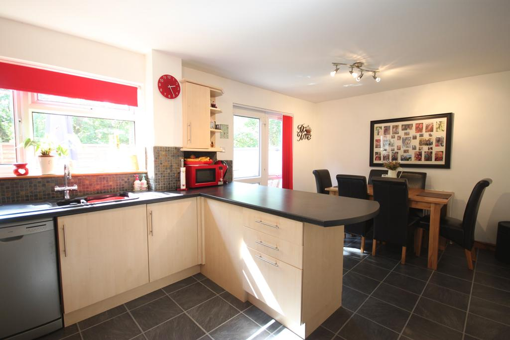 3 Bedrooms Terraced House for sale in Shortlands Road, Cullompton EX15 1HL