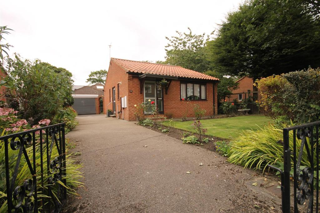 2 Bedrooms Detached Bungalow for sale in Westbourne Road, Hartlepool
