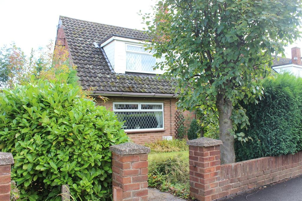 3 Bedrooms Semi Detached House for sale in Tamworth Road, Kingsbury, Tamworth
