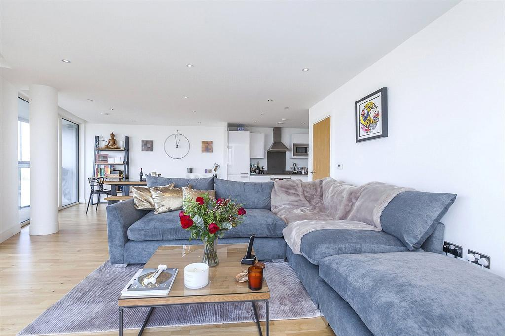 2 Bedrooms Flat for sale in Dowells Street, Greenwich, London, SE10