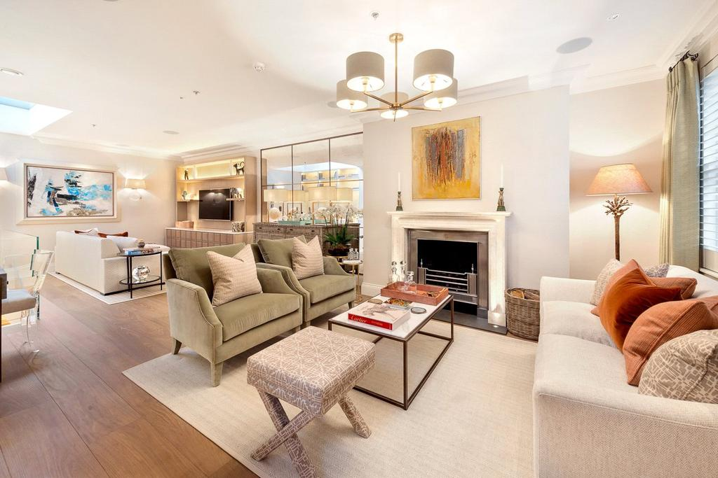 3 Bedrooms End Of Terrace House for sale in Pond Place, Chelsea, London, SW3