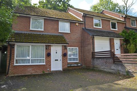 Studio to rent - Magpie Way, Tilehurst, Reading, Berkshire, RG31