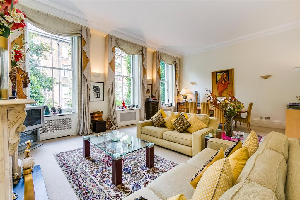 2 Bedrooms Flat for sale in Old Brompton Road, Earls Court, London