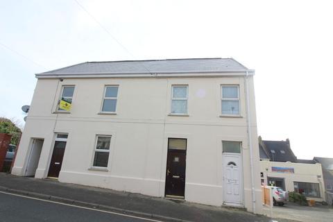 1 bedroom ground floor flat to rent - Robert Street, Milford Haven, Pembrokeshire. SA73 2DJ