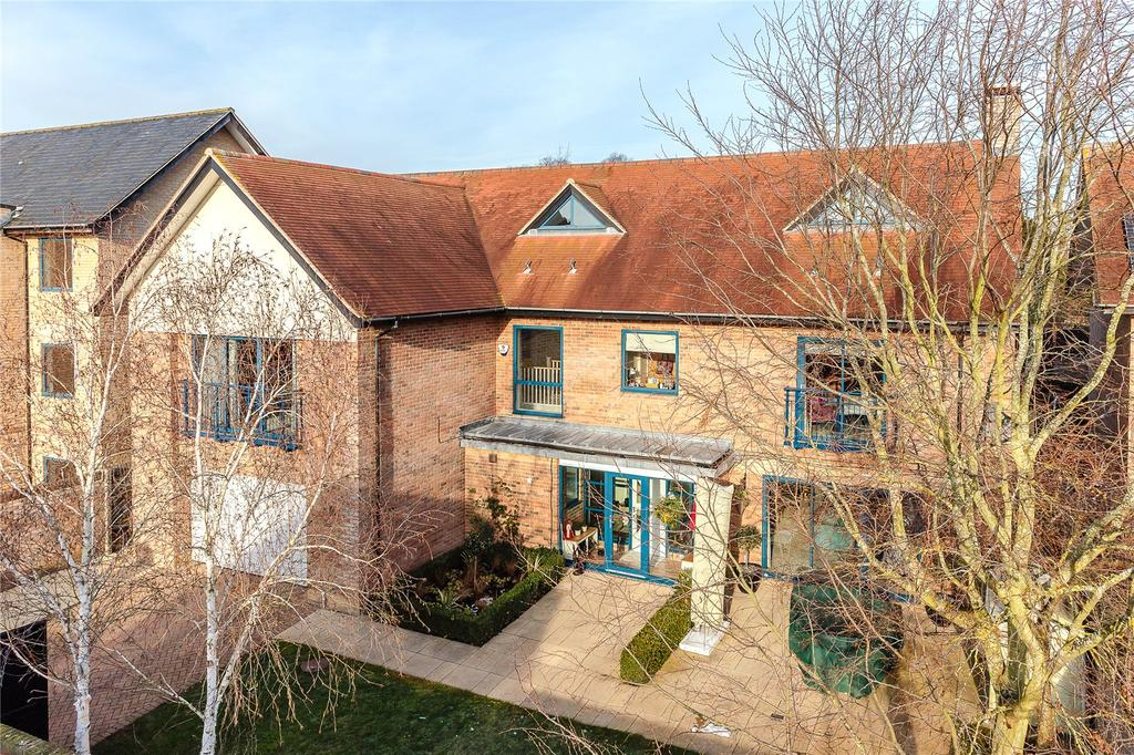 6 Bedrooms Detached House for sale in Fuller Way, Cambridge