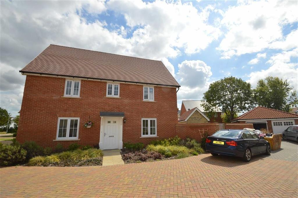 4 Bedrooms Detached House for sale in Beehive Lane, Hockley, Essex