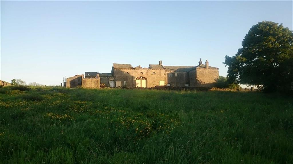 3 Bedrooms Farm House Character Property for sale in Beestonley Lane, Stainland, Halifax, HX4
