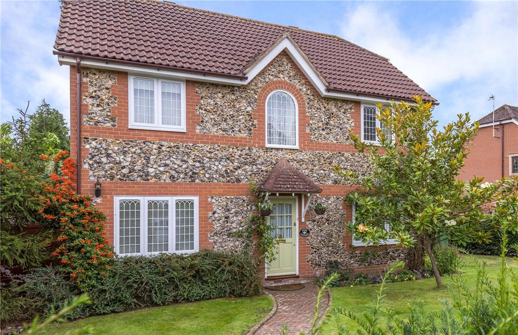 4 Bedrooms Detached House for sale in Crown Street, Redbourn, St. Albans, Hertfordshire