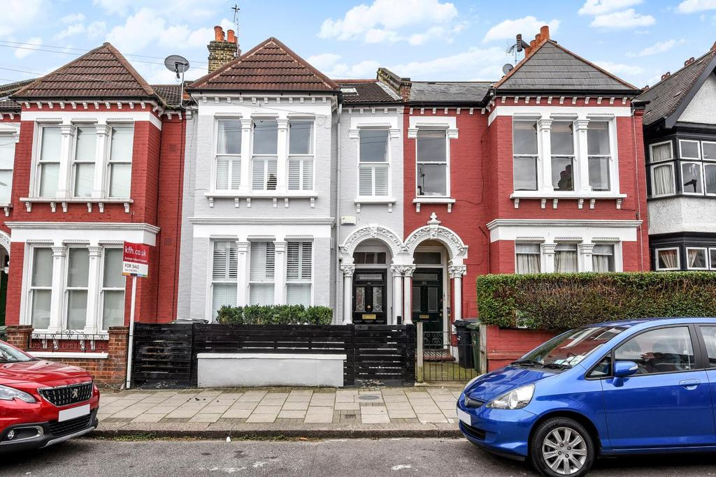 3 Bedrooms Flat for sale in Voltaire Road, Clapham