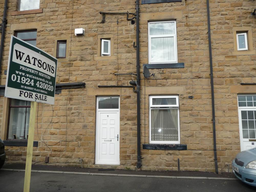 1 Bedroom Terraced House for sale in 11 Carlinghow Hill