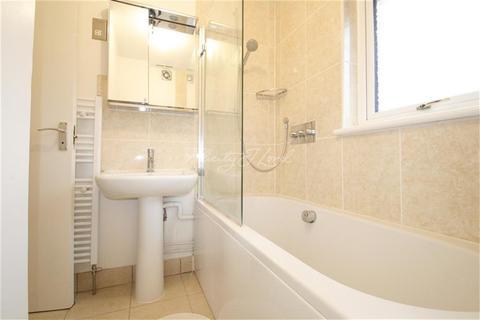 3 bedroom flat to rent - Galleon Close, SE16