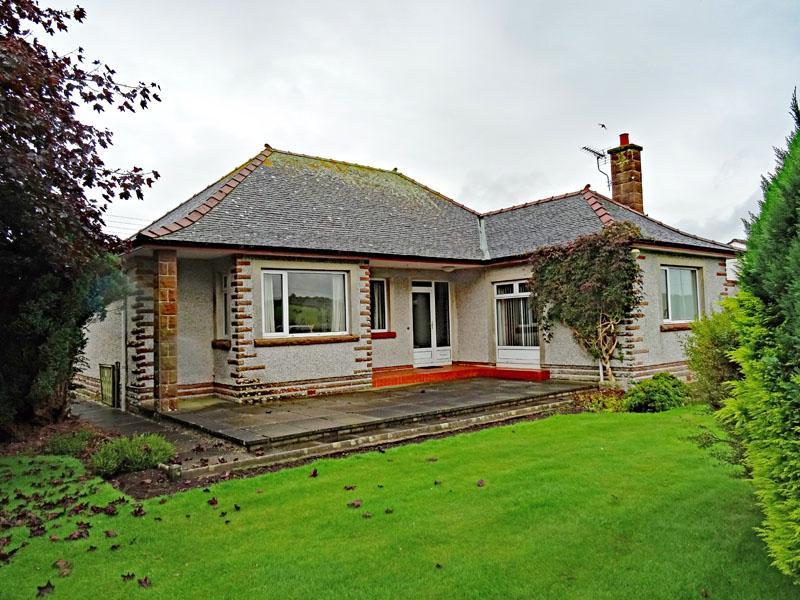 3 Bedrooms Detached Bungalow for sale in Ferndale, Greenlea, Collin, Dumfries, DG1 4PS