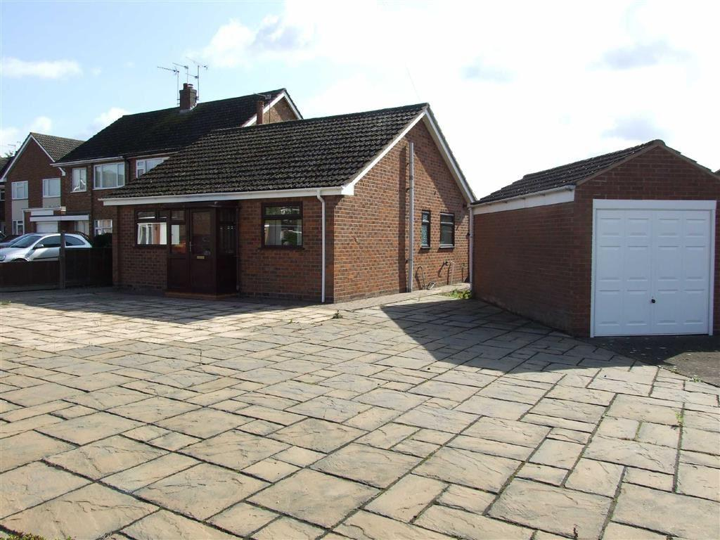 2 Bedrooms Detached Bungalow for sale in Benn Road, Bulkington
