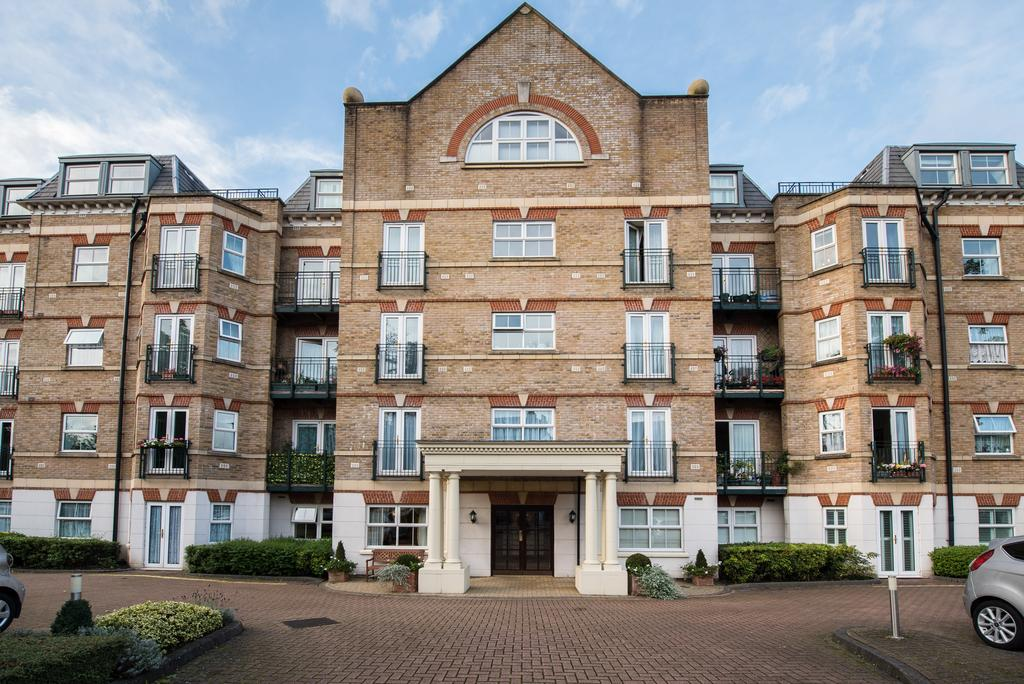 3 Bedrooms Flat for sale in Bryant Court (Park View), 278 The Vale, Acton