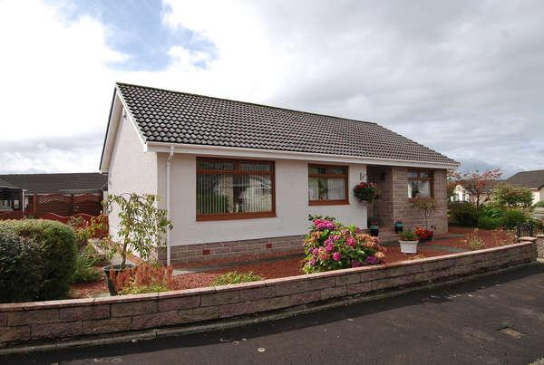 3 Bedrooms Detached Bungalow for sale in 10 Rawson Crescent, Mauchline, KA5 5AT