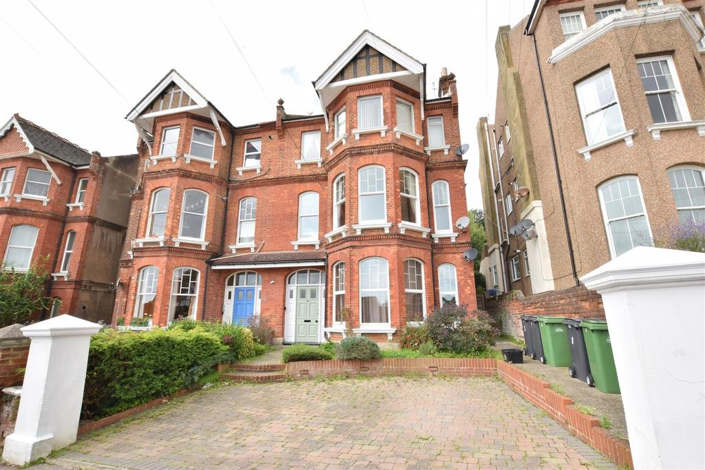 2 Bedrooms Flat for sale in Linton Road, Hastings