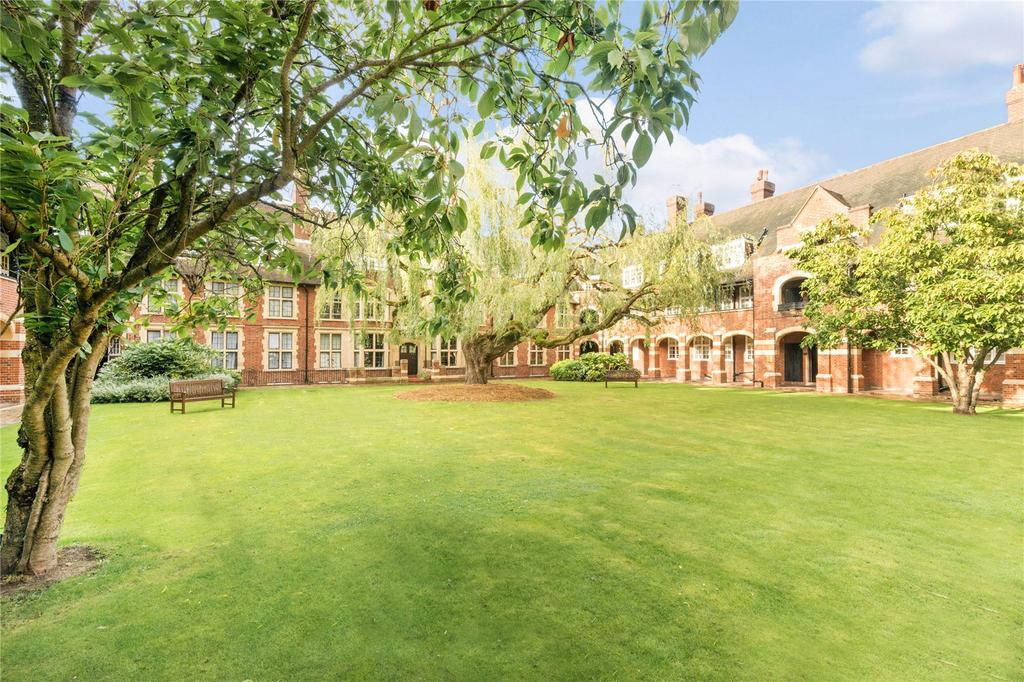 1 Bedroom Flat for sale in Meadway, Hampstead Garden Suburb, London