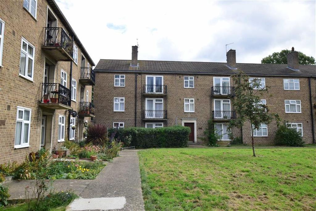 3 Bedrooms Flat for sale in Elizabeth House, Gosbrook Road, Reading