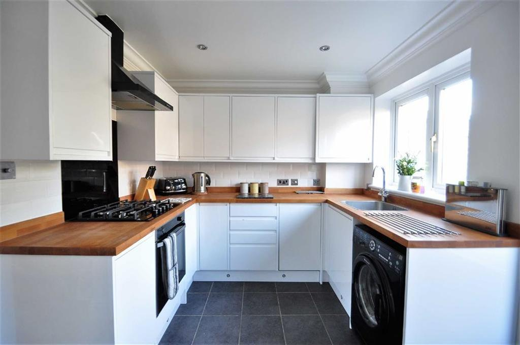2 Bedrooms Terraced House for sale in Pilgrims View, Greenhithe
