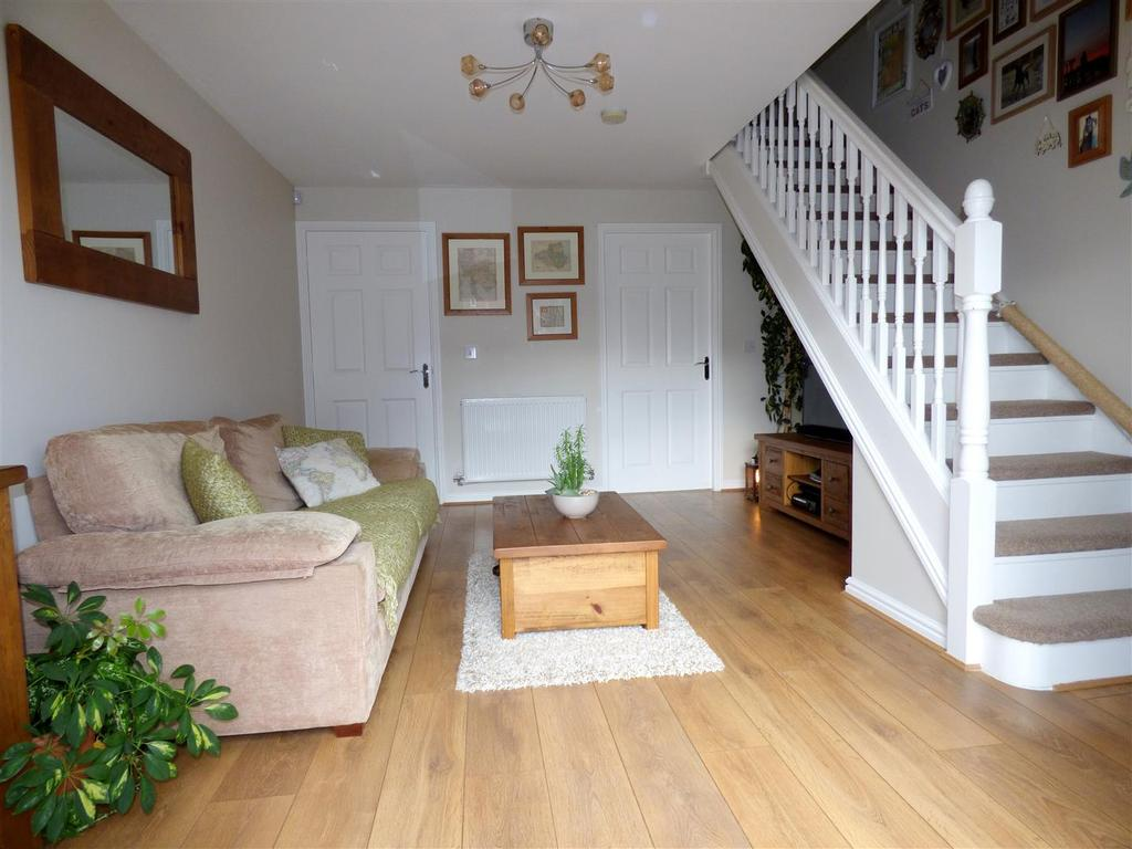 2 Bedrooms Semi Detached House for sale in Barnwell View, Houghton le spring
