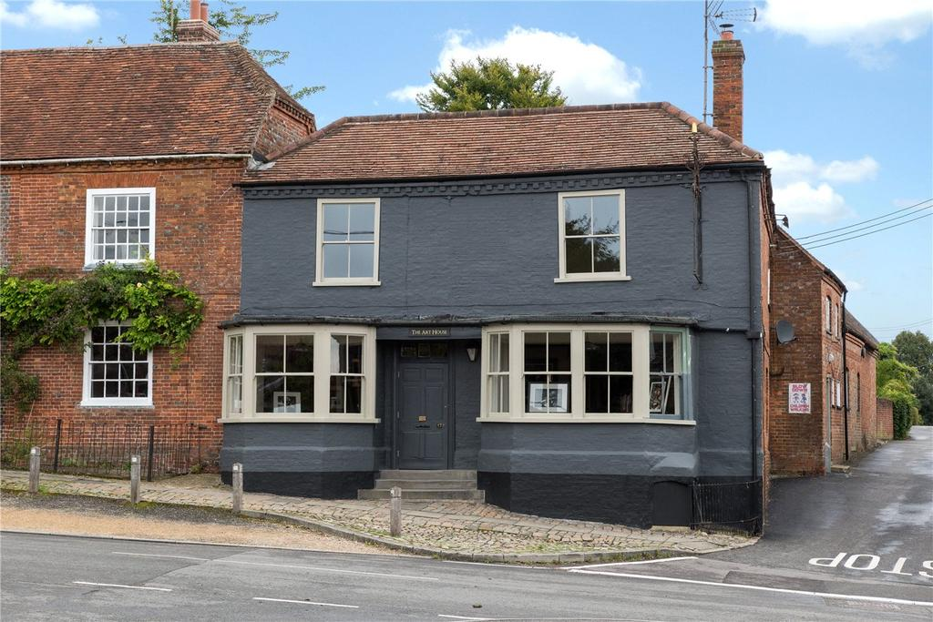 4 Bedrooms Town House for sale in High Street, Great Bedwyn, Marlborough, Wiltshire, SN8