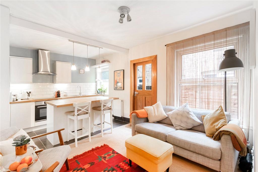 2 Bedrooms Maisonette Flat for sale in Durban Road, West Norwood, London, SE27