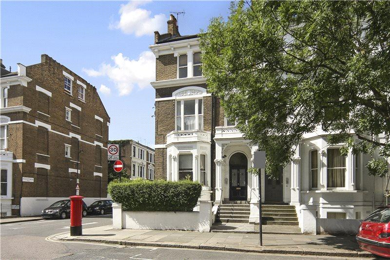 2 Bedrooms Flat for rent in Sinclair Road, Brook Green, London, W14