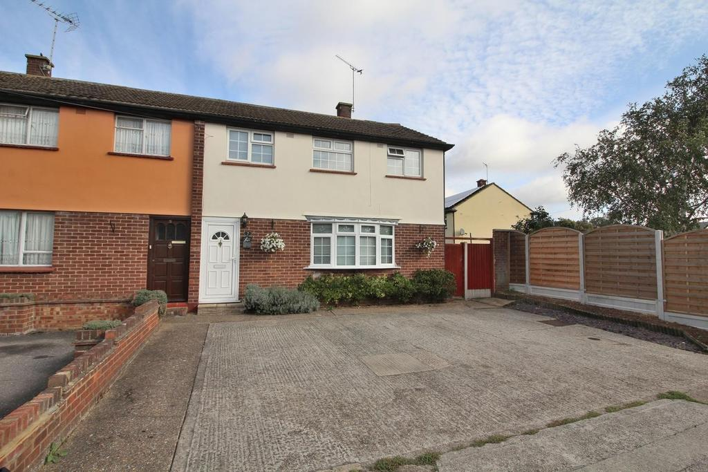 3 Bedrooms End Of Terrace House for sale in Cheviot Drive, Chelmsford, Essex, CM1