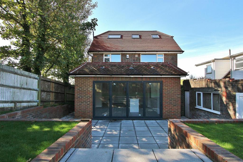 4 Bedrooms Detached House for sale in Ainsworth Avenue