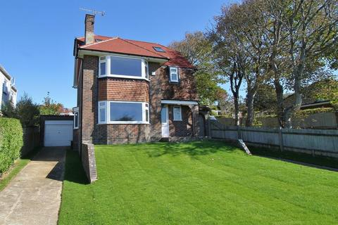 4 bedroom detached house for sale - Ainsworth Avenue