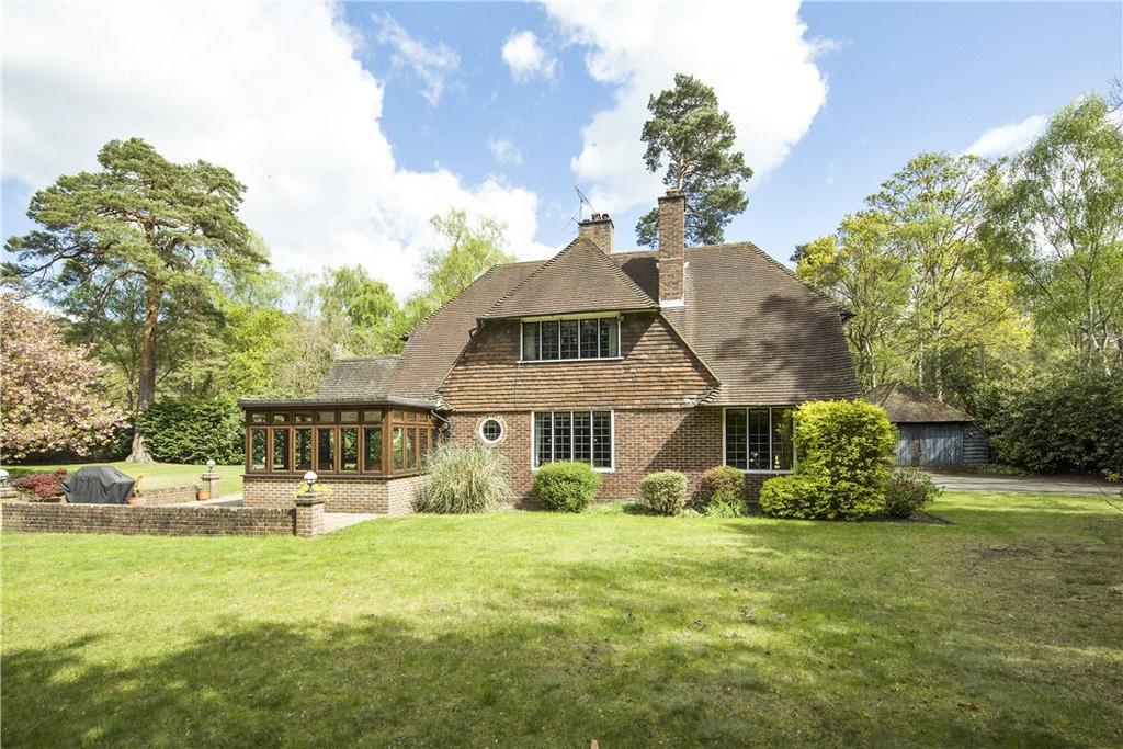 5 Bedrooms Detached House for sale in Byfleet Road, Cobham, Surrey, KT11