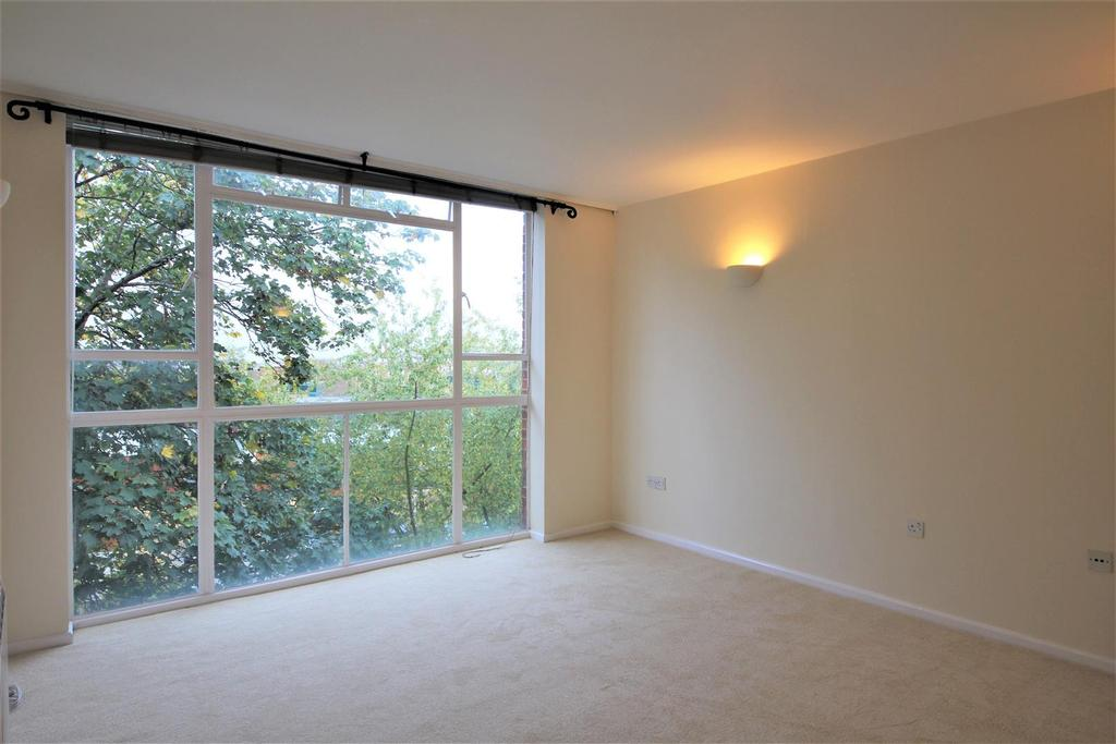 1 Bedroom Flat for sale in Portinscale Road, Putney