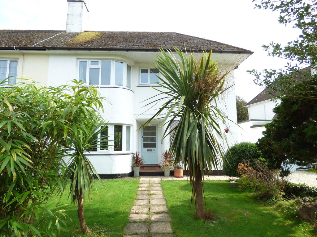 4 Bedrooms Semi Detached House for sale in Wychwood Close, Craigweil Private Estate, Craigweil-on-Sea, Bognor Regis PO21