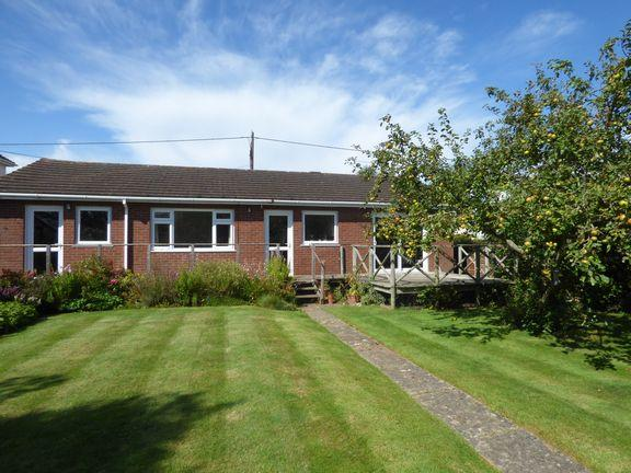 2 Bedrooms Detached Bungalow for sale in Williton