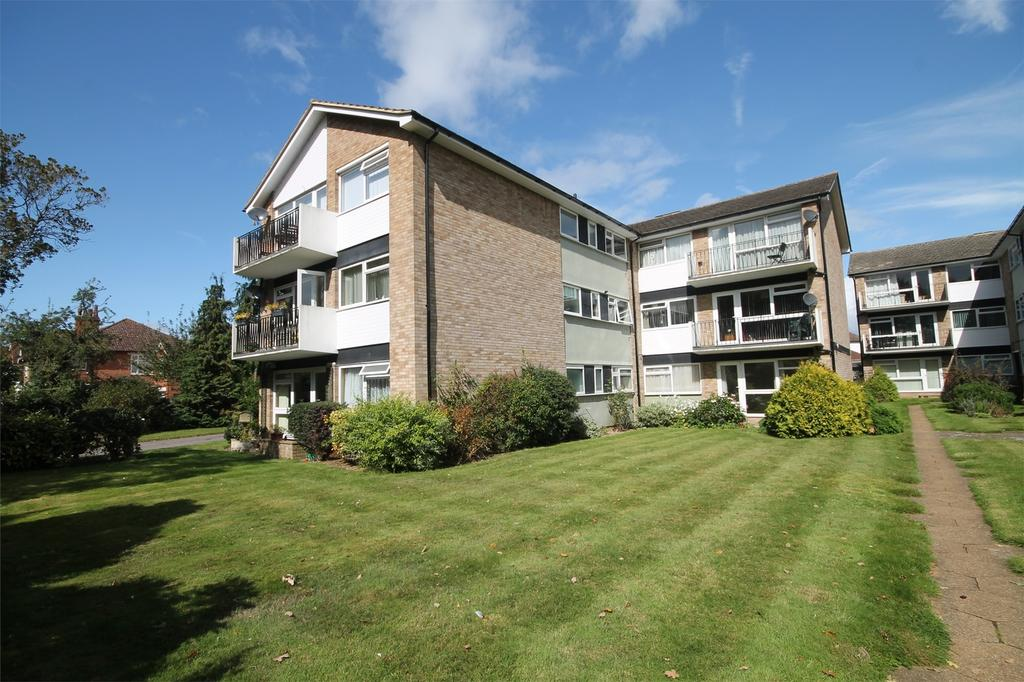 2 Bedrooms Flat for sale in Fairview Court, Manor Road, Ashford, Ashford