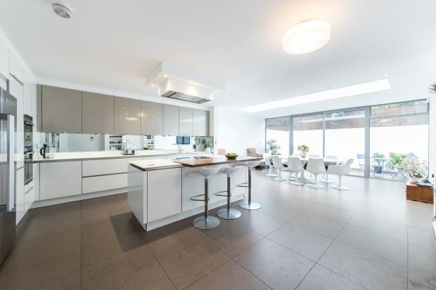 4 Bedrooms Terraced House for sale in Quickswood, Primrose Hill, London, NW3