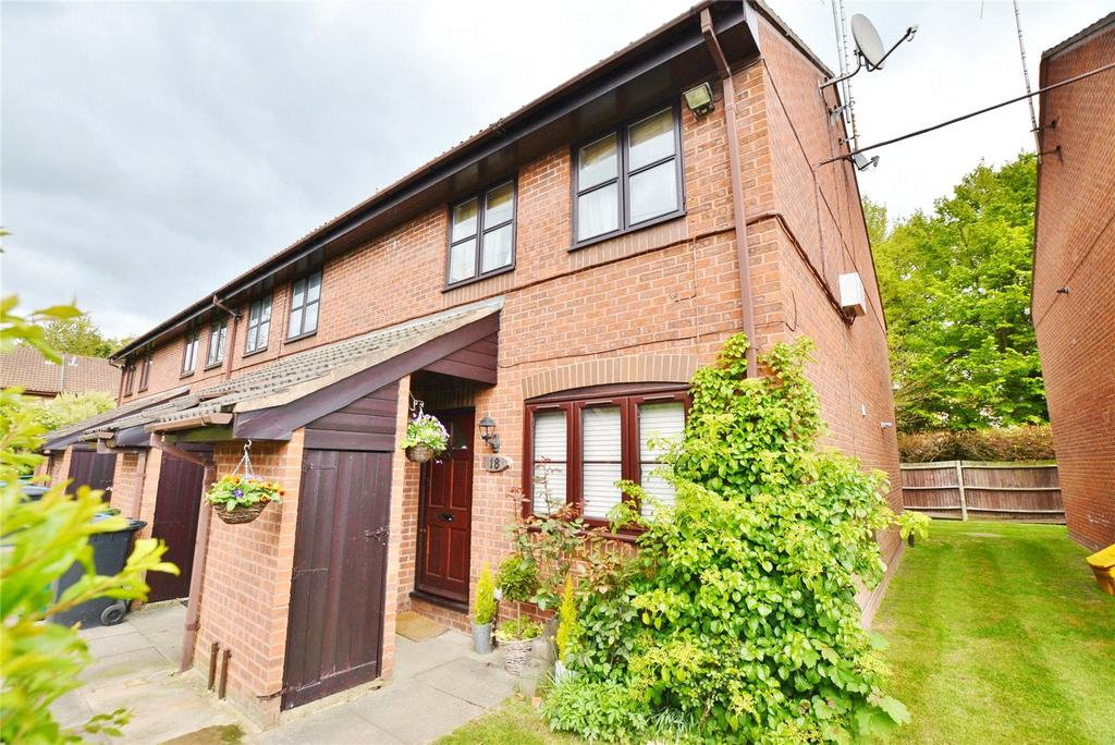 2 Bedrooms Maisonette Flat for sale in The Pastures, Watford, Hertfordshire, WD19