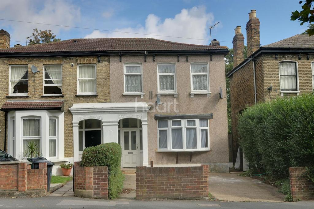 3 Bedrooms Flat for sale in Fairlop Road, Leytonstone